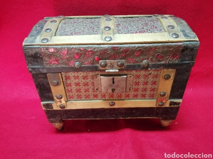 BAÚL MINIATURA PP XX (Antigüedades - Muebles Antiguos - Baúles Antiguos)