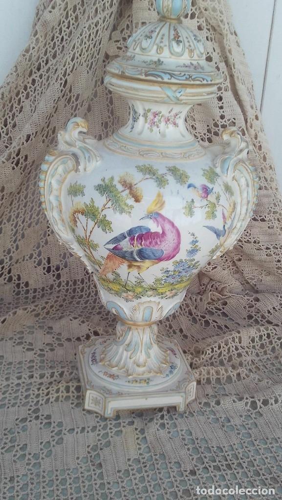 JARRON EN PORCELANA DE CHELSEA CON MARCAS ,ANCLA DORADA 1756-1769 (Antigüedades - Porcelanas y Cerámicas - Inglesa, Bristol y Otros)