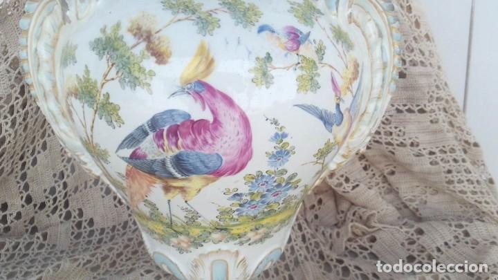 Antigüedades: jarron en porcelana de chelsea con marcas ,ancla dorada 1756-1769 - Foto 2 - 178028988