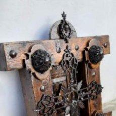 Antigüedades: REJA DE MADERA Y FORJA. Lote 178100949