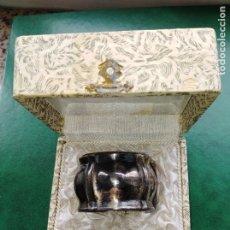 Antigüedades: SERVILLETERO DE PLATA PUNZONADA. EN SU ESTUCHE ORIGINAL. PRINCIPIOS SIGLO XX. Lote 178111350