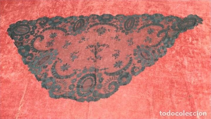 Antigüedades: MANTILLA. ENCAJE BORDADO A LA AGUJA. ESPAÑA. SIGLO XIX-XX - Foto 18 - 178126890