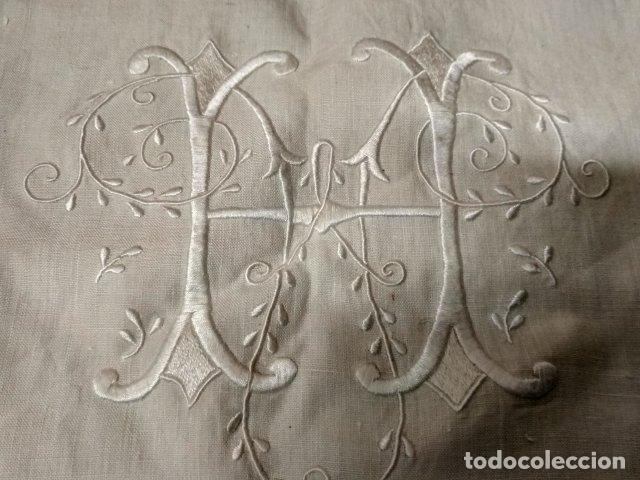 ANTIGUO FUNDA DE ALMOHADA EN HILO BORDADA (Antigüedades - Hogar y Decoración - Sábanas Antiguas)