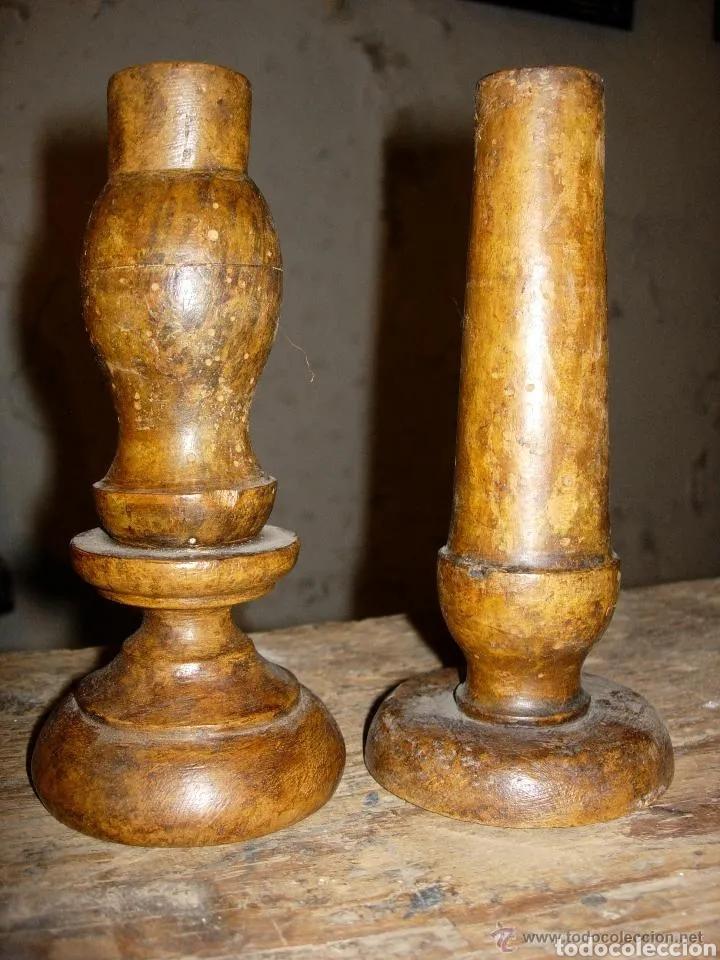 2 CANDELABROS SIGLO XVII, MADERA TORNEADA POLICROMIA (Antigüedades - Iluminación - Candelabros Antiguos)