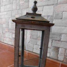 Antigüedades: FAROLILLO DE MADERA RUSTICO. Lote 178225621
