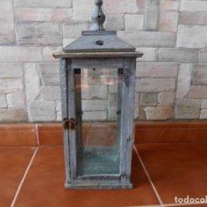 Antigüedades: ANTIGUO FAROLILLO DE MADERA RÚSTICO. Lote 178225621