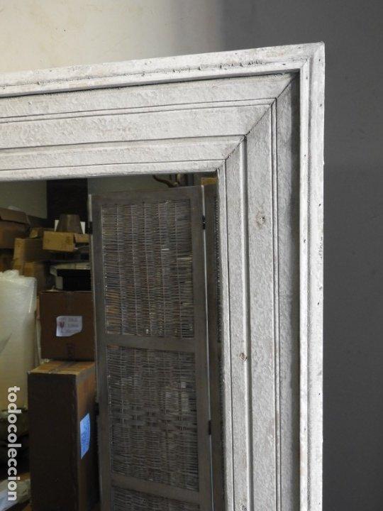 Antigüedades: ESPEJO CON MARCO DE MADERA BLANCA EN DECAPE MUY BONITO 94 X 76 CM - Foto 6 - 178258205