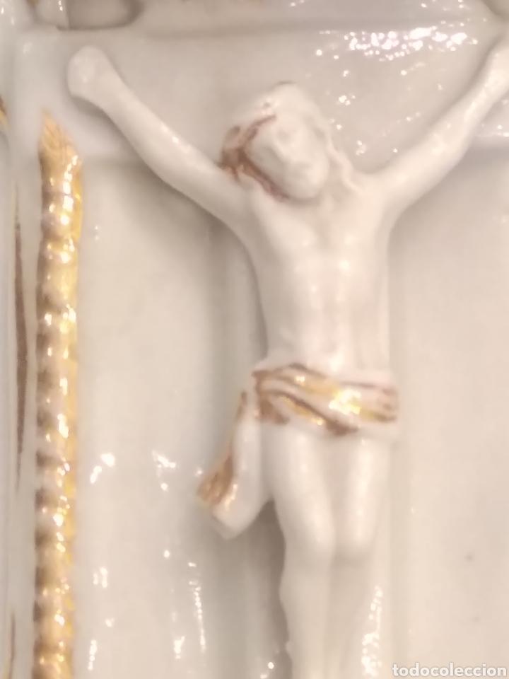 Antigüedades: Pila benditera de porcelana siglo XIX - Foto 7 - 178259255