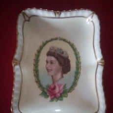 Antigüedades: ROYAL CROWN DERBY VINTAGE QUEEN ELIZABETH CORONATION TRAY DISH PIN TRINKET 1953. Lote 178305226