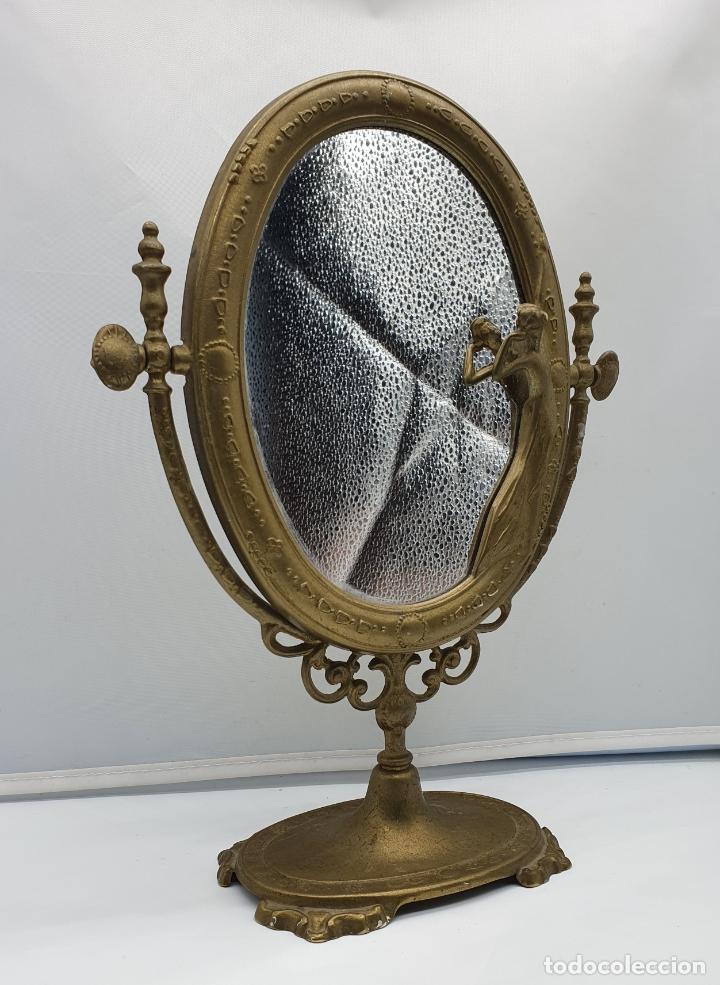 Antigüedades: Bello espejo antiguo de estilo art nouveau en bronce con doncella de época en relieve . - Foto 4 - 178311385