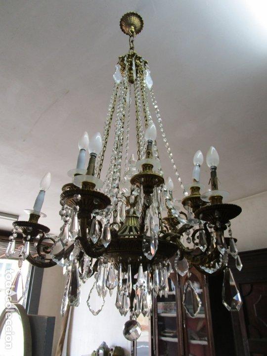 Antigüedades: Preciosa Lámpara de Techo - 12 Luces en 2 Niveles - Bronce Cincelado - Lagrimas de Cristal - S. XIX - Foto 13 - 178332288