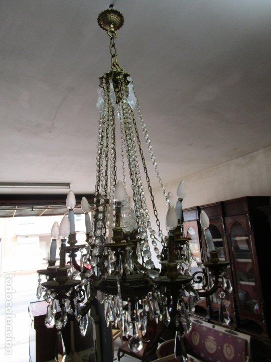 Antigüedades: Preciosa Lámpara de Techo - 12 Luces en 2 Niveles - Bronce Cincelado - Lagrimas de Cristal - S. XIX - Foto 22 - 178332288