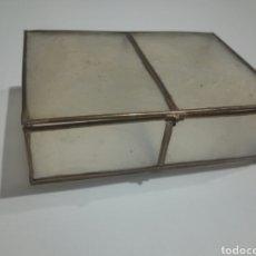Antigüedades: ANTIGUA CAJA , NACAR ? 10 X 7X 3 CM.. Lote 178333453