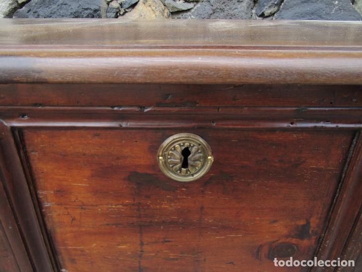 Antigüedades: Antigua Caja, Baúl, Arcón Catalán - Madera de Nogal - S. XVIII - Foto 5 - 178396761
