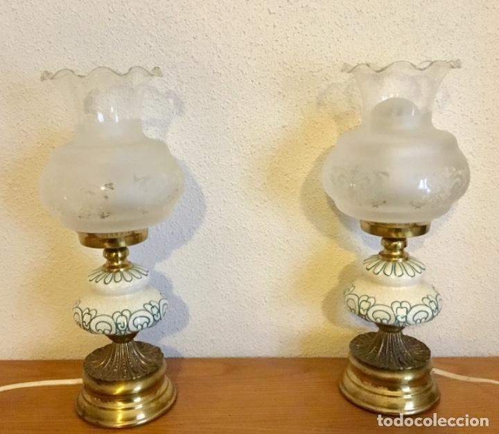 PAREJA DE LAMPAS TIPO QUINQUE (Antigüedades - Iluminación - Lámparas Antiguas)