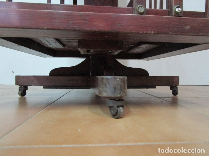Antigüedades: Mueble Giratorio de Biblioteca - Librería Victoriana - Madera de Caoba - con Ruedas - Ideal Libros - Foto 3 - 178596497