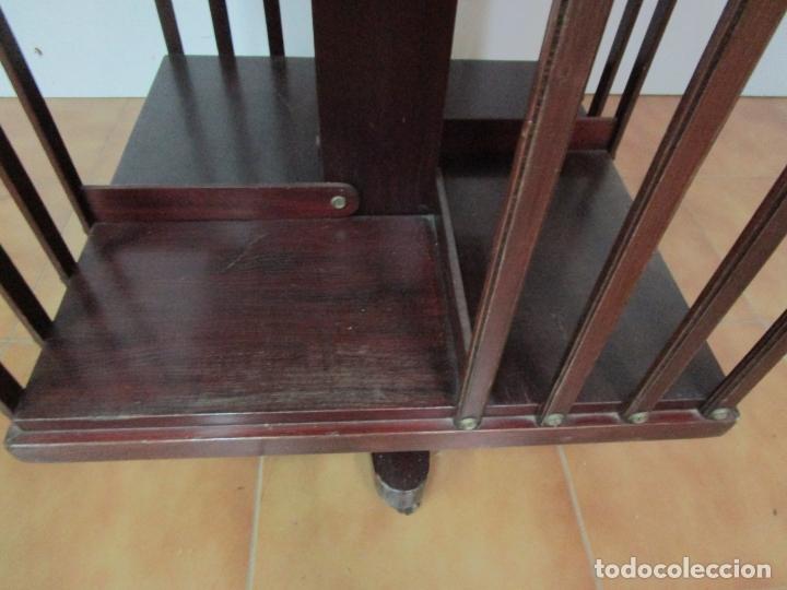 Antigüedades: Mueble Giratorio de Biblioteca - Librería Victoriana - Madera de Caoba - con Ruedas - Ideal Libros - Foto 4 - 178596497