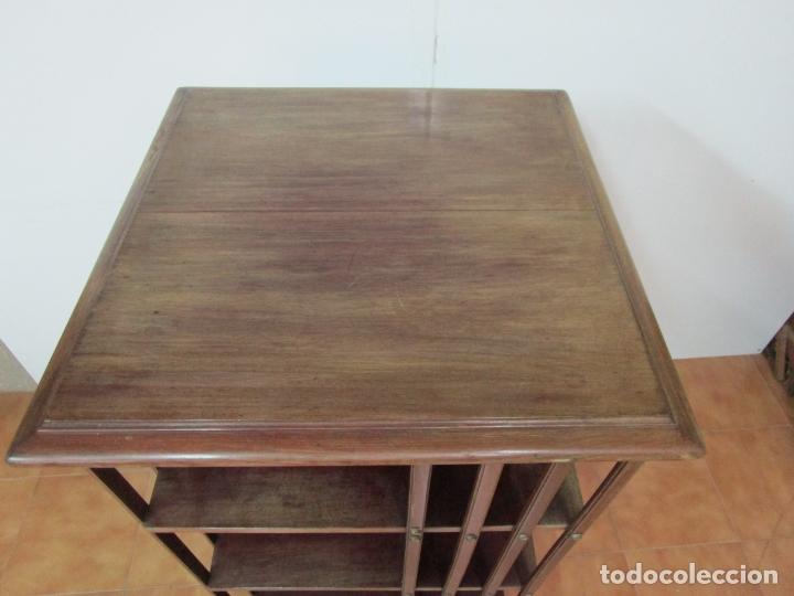Antigüedades: Mueble Giratorio de Biblioteca - Librería Victoriana - Madera de Caoba - con Ruedas - Ideal Libros - Foto 10 - 178596497