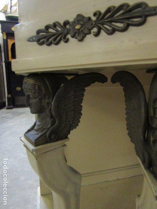Antigüedades: Vitrina Estilo Imperio - Madera de Caoba - Laca Blanca - Bronce - 175 cm Altura - Foto 9 - 178605267