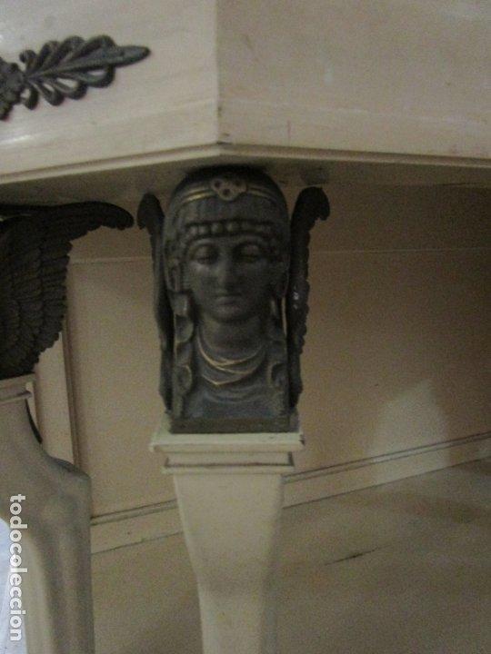 Antigüedades: Vitrina Estilo Imperio - Madera de Caoba - Laca Blanca - Bronce - 175 cm Altura - Foto 10 - 178605267
