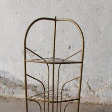Antigüedades: ESTANTERIA RINCONERA EN METAL. Lote 178636243