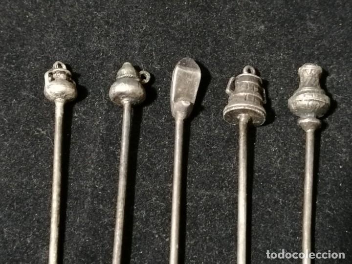Antigüedades: Juego de 5 antiguos tenedores para aperitivos. - Foto 2 - 178646917