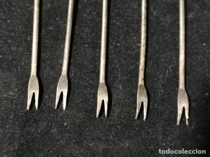 Antigüedades: Juego de 5 antiguos tenedores para aperitivos. - Foto 3 - 178646917
