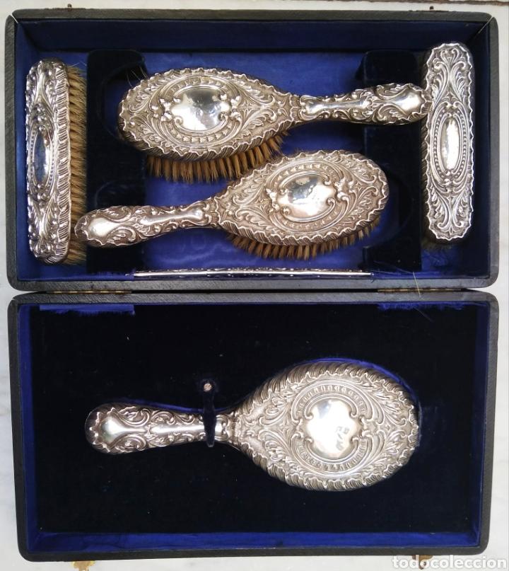 JUEGO DE TOCADOR SET DE 6 PIEZAS, PLATA DE LEY SIGLO XIX (Antigüedades - Platería - Plata de Ley Antigua)