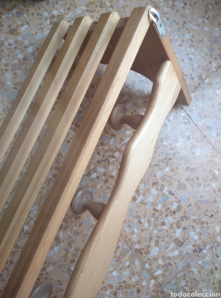 Antigüedades: Perchero sombrerero de pared en madera clara de pino - Foto 3 - 178670942
