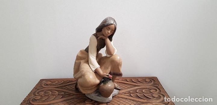 PORCELANA FINA DE LLADRO ...CANTARERA CLASICA (Antigüedades - Porcelanas y Cerámicas - Lladró)