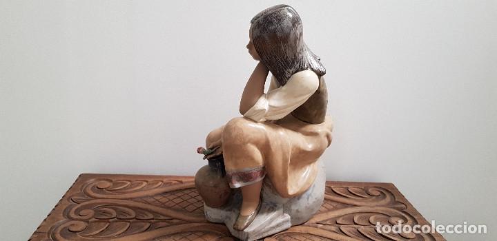 Antigüedades: PORCELANA FINA DE LLADRO ...CANTARERA CLASICA - Foto 5 - 178682095