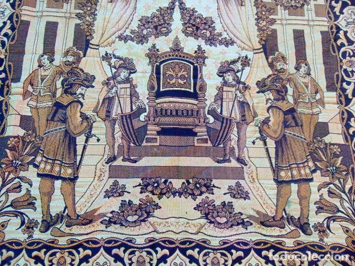 Antigüedades: TAPIZ TIPO ESTANDARTE, GRANDE 2,97M X 1,22 M, VER FOTOS .W - Foto 4 - 178716493