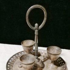 Antigüedades: ANTIGUA HUEVERA DE LA FIRMA CHRISTOFLE. Lote 178777163