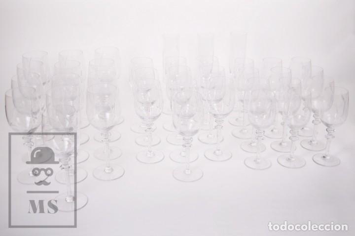 Antigüedades: Conjunto de Cristal de Bohemia con 38 Piezas / Copas - Cristalería Tallada - Marca Grabada al Ácido - Foto 2 - 178783517