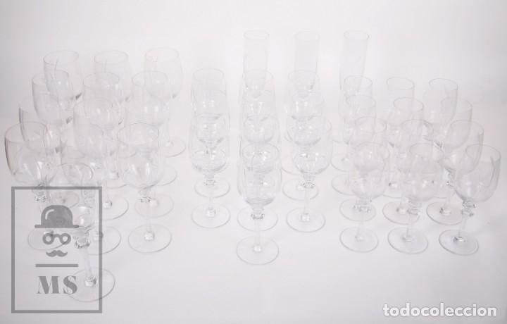 Antigüedades: Conjunto de Cristal de Bohemia con 38 Piezas / Copas - Cristalería Tallada - Marca Grabada al Ácido - Foto 3 - 178783517
