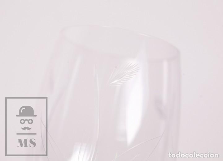 Antigüedades: Conjunto de Cristal de Bohemia con 38 Piezas / Copas - Cristalería Tallada - Marca Grabada al Ácido - Foto 16 - 178783517