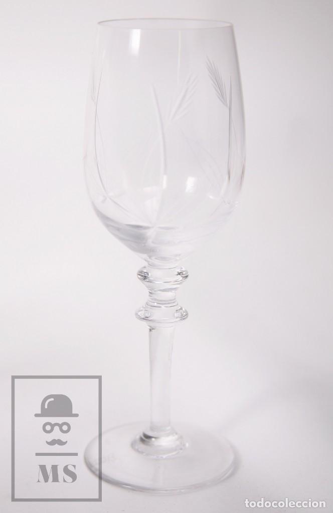 Antigüedades: Conjunto de Cristal de Bohemia con 38 Piezas / Copas - Cristalería Tallada - Marca Grabada al Ácido - Foto 19 - 178783517