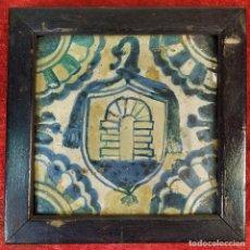 Antigüedades: AZULEJO GÓTICO. ESCUDO ABAD PORTA DE POBLET. CERÁMICA. VALENCIA. CIRCA 1520. Lote 178788421