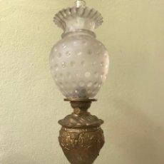 Antigüedades: QUINQUÉ DE CALAMINA DORADA CON TULIPA. Lote 189501456