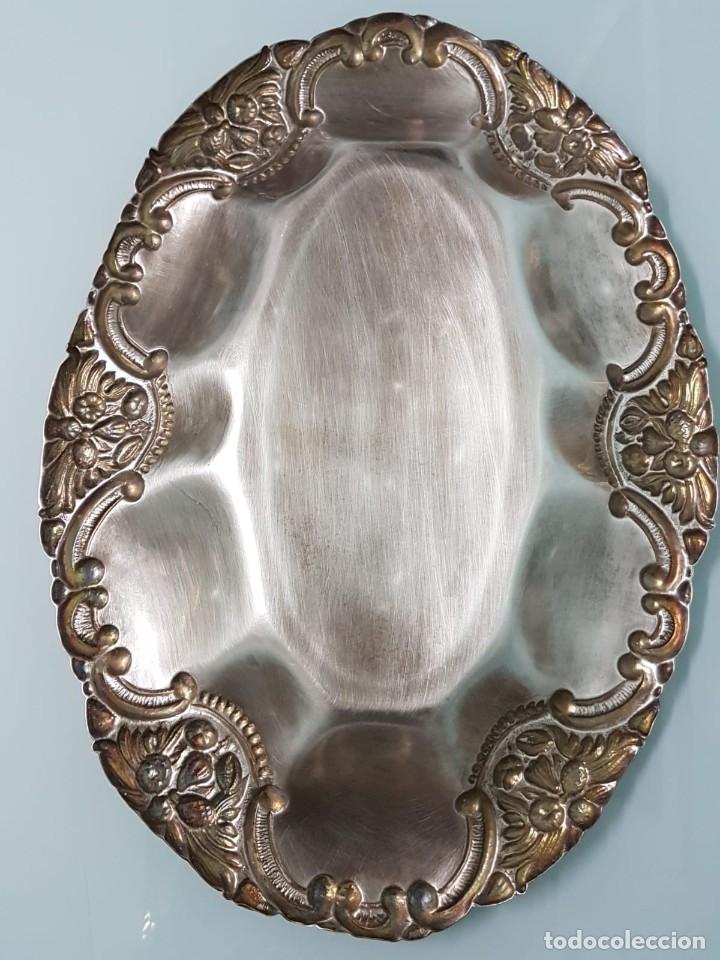 Antigüedades: FRUTERO PANERA. METAL PLATEADO. 36x27 CM. DECORADA. MAJESTUOSA. - Foto 3 - 178806755