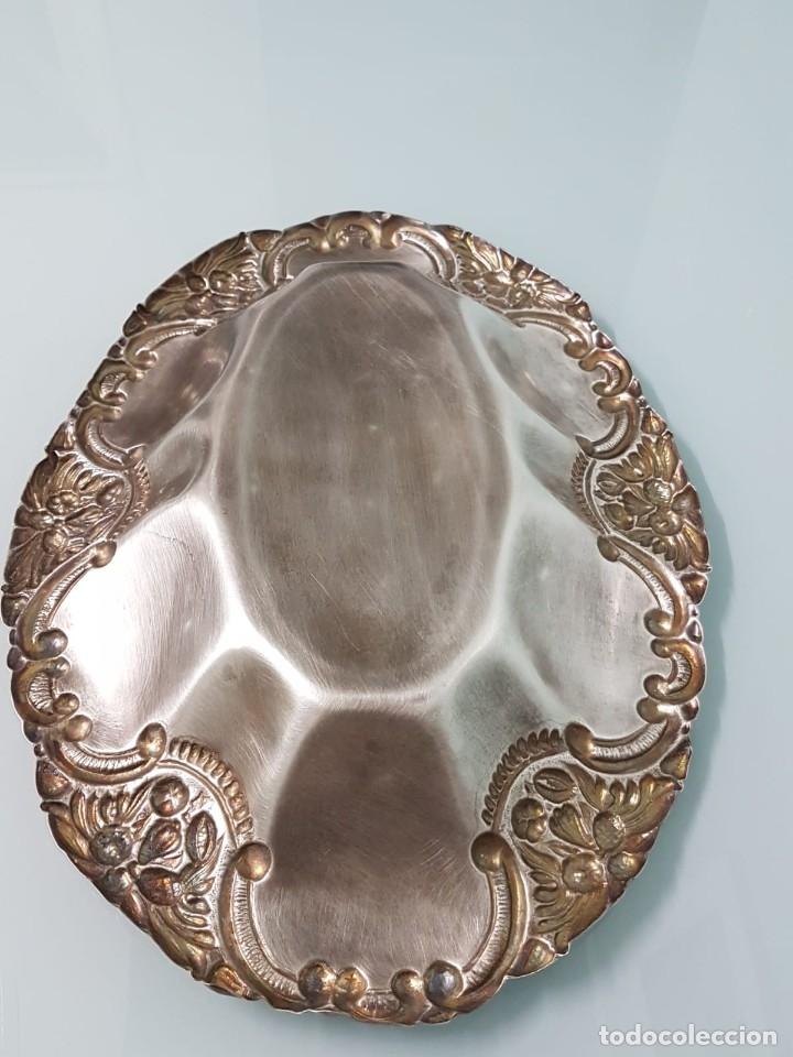 Antigüedades: FRUTERO PANERA. METAL PLATEADO. 36x27 CM. DECORADA. MAJESTUOSA. - Foto 6 - 178806755