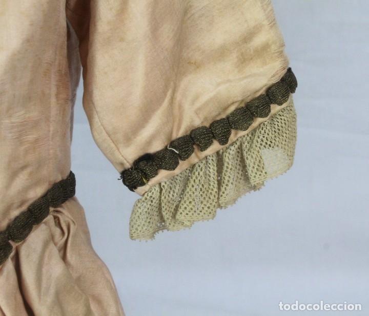 Antigüedades: t9 Sobreveste SXVIII o chaquetilla en seda hilos de oro encajes. Museos, indumentaria o imágenes. - Foto 5 - 178840315