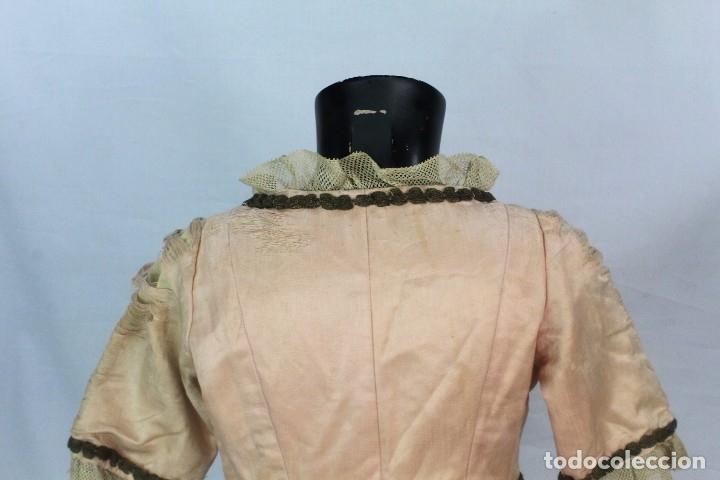 Antigüedades: t9 Sobreveste SXVIII o chaquetilla en seda hilos de oro encajes. Museos, indumentaria o imágenes. - Foto 9 - 178840315