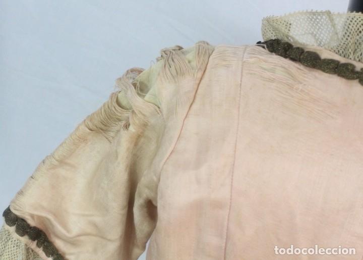 Antigüedades: t9 Sobreveste SXVIII o chaquetilla en seda hilos de oro encajes. Museos, indumentaria o imágenes. - Foto 10 - 178840315