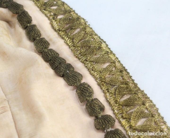 Antigüedades: t9 Sobreveste SXVIII o chaquetilla en seda hilos de oro encajes. Museos, indumentaria o imágenes. - Foto 12 - 178840315