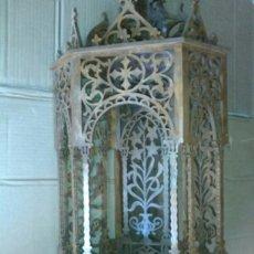 Antigüedades: CAPILLA DE MADERA RINCONERA.. Lote 178857902
