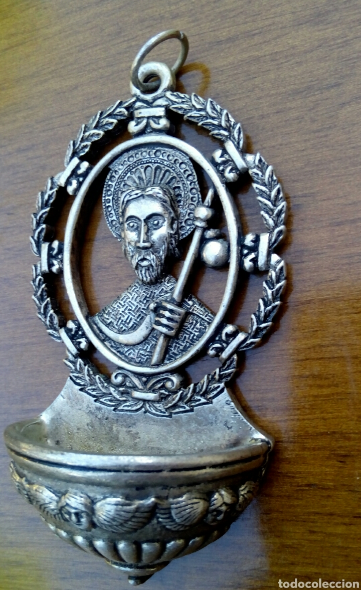 Antigüedades: Antigua benditera de Santiago Apostol. Metal plateado con grabados. - Foto 6 - 178887695