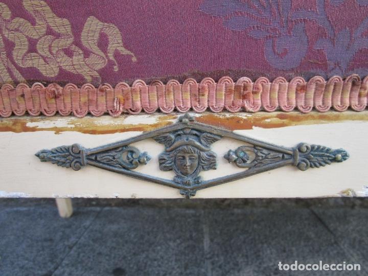 Antigüedades: Antiguo Sofá Estilo Imperio - Tresillo Dos Plazas - Madera de Caoba - Laca Blanca - Bronce - Años 20 - Foto 5 - 178895903