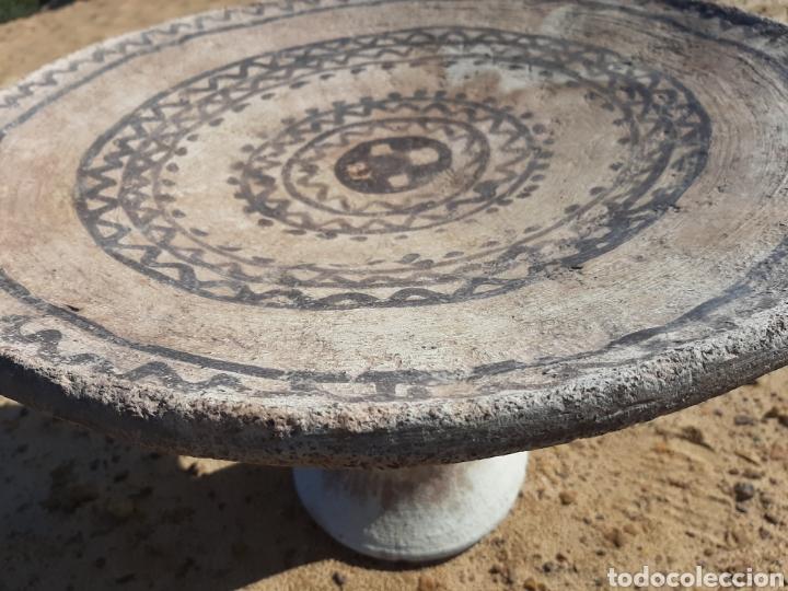 Antigüedades: MESA BEREBER DE CERÁMICA - BARRO - SUPERFICIE PINTADA - DECORACIÓN GEOMÉTRICA -ÁFRICA -SXIX - Foto 7 - 178910731