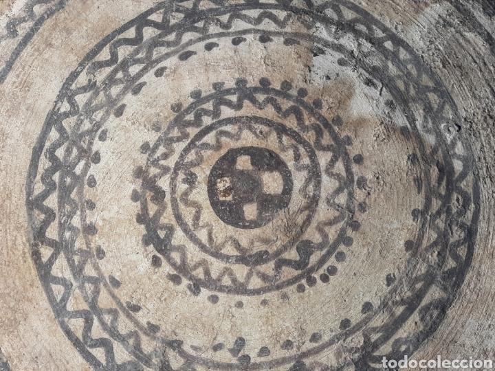 Antigüedades: MESA BEREBER DE CERÁMICA - BARRO - SUPERFICIE PINTADA - DECORACIÓN GEOMÉTRICA -ÁFRICA -SXIX - Foto 9 - 178910731